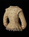 1610-1615 British jacket linen plain weave, embroidered with silk and metallic threads and spangles - metallic bobbin lace (Mueum of Fine Arts - Boston, Massachusetts USA)