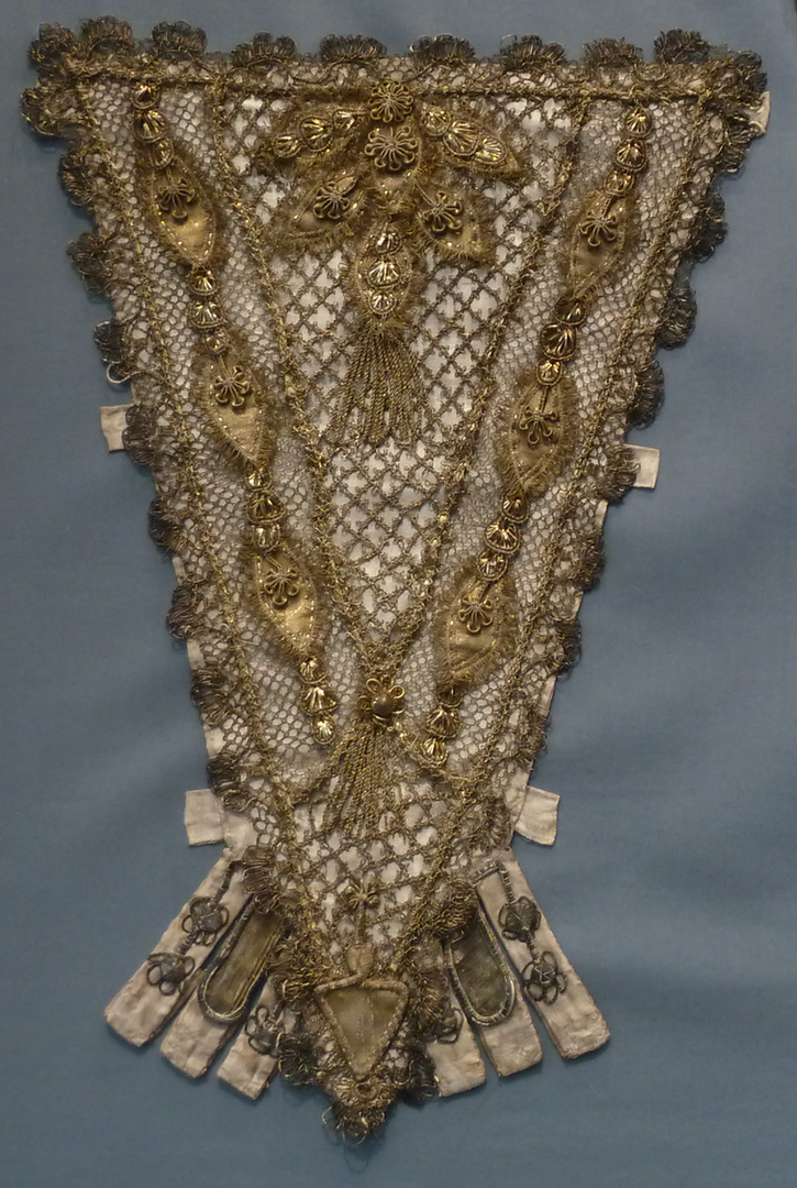 1700-1750 French stomacher with goldwork (Los Angeles County Museum of Art - Los Angeles, California, USA) Wm Photo - PKM