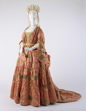 1708 Mantua dress at the Metropolitan Museum