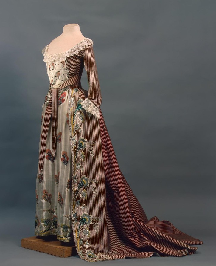 1780s Ceremonial dress worn by Grand Princess Maria Feodorovna (State Hermitage Museum - St. Petersburg, Russia) UPGRADE From history-of-fashion.tumblr.com:page:7