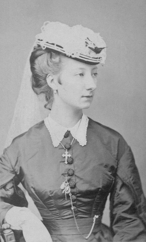 1870s (early) Marguerite d'Orléans, probably Marguerite Adélaïde (1846-1893) From carolathhabsburg.tumblr.com:tagged:Royalty:page:10 despot detint