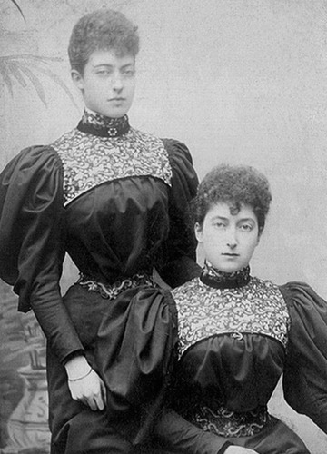 1890s (middle) Toria and Maud From antiqueroyals.tumblr.com/page/6