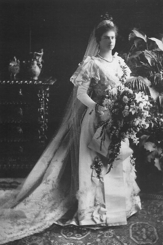 1893 Augusta Bavaria wedding dress mod