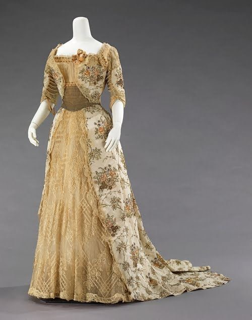 1894 Empress Maria Feodorovna's dress From pinterest.com/theresavancour/vintage-clothing/.jpg