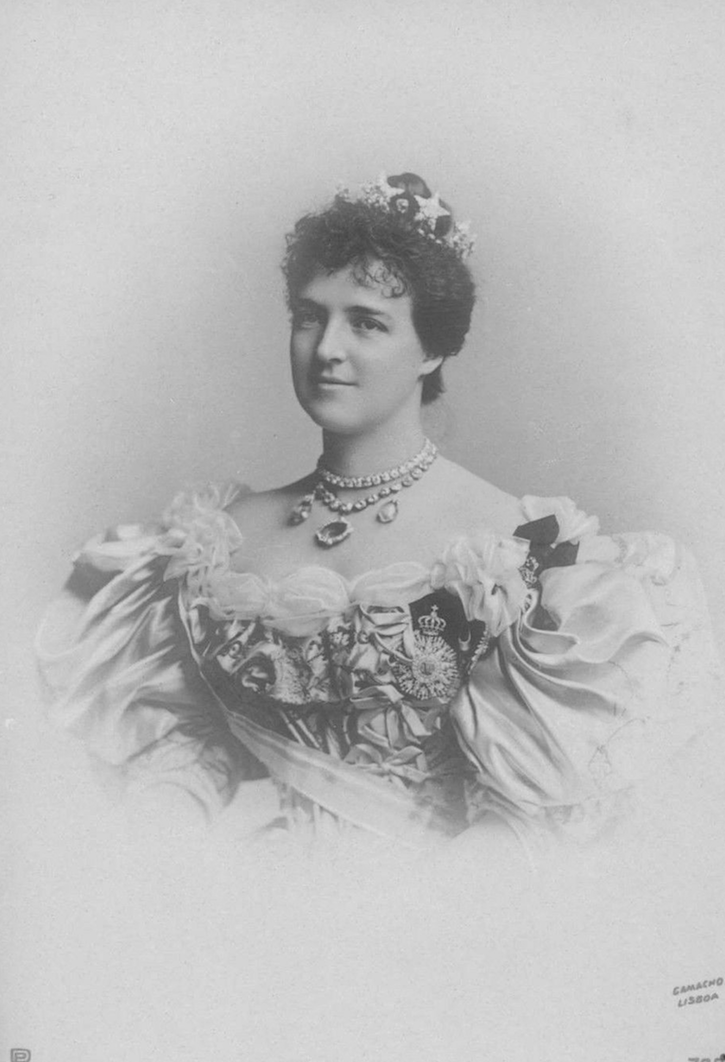 1896 Amélie of Portugal by Camacho black and white From picclick.com/Collectibles/Postcards/Royalty/?page=16 detint