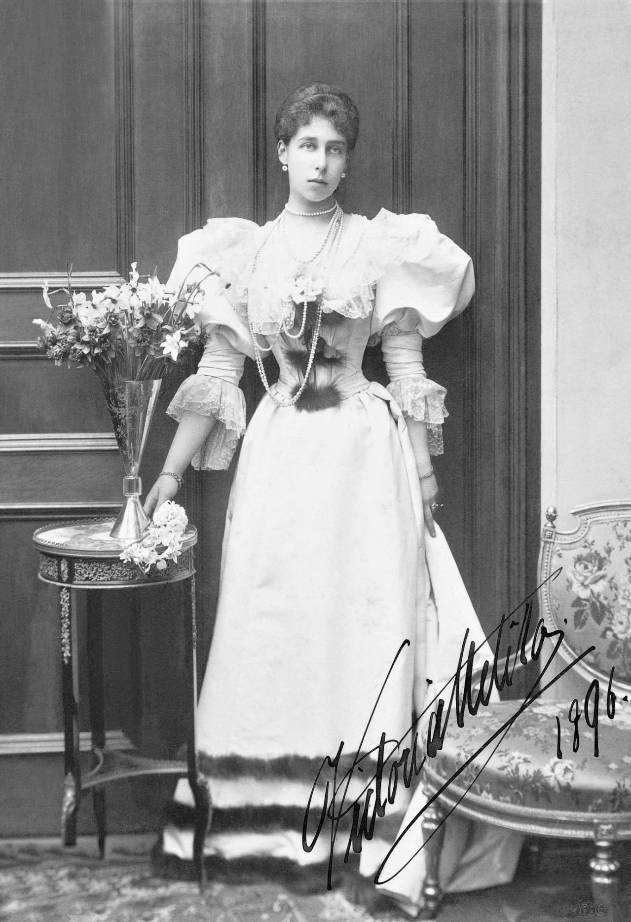 1896 Ducky Wearing Dress With Large Leg O Mutton Sleeves