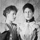 1896 Marie and Victoria Melita From facebook.com/photo.php?fbid=556709357818944&set=gm.10153476325655000&type=3&theater via pinterest.com/MissyLynneNJ/royalty-the-edinburghsaxe-coburg-and-gotha-family/ detint