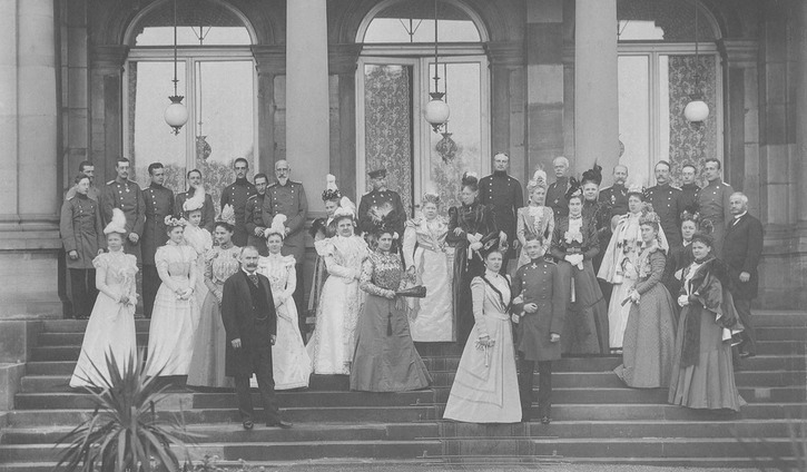 1898 (October) Württemberg Royal family and guests at the wedding of Princess Pauline of Württemberg and the Hereditary Prince of Wied, Stuttgart Wm cropped