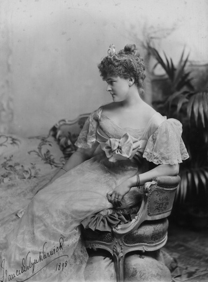 1898 Seated Daisy Greville, Countess of Warwick From tumblr.com:tagged:daisy-greville X 2 detint