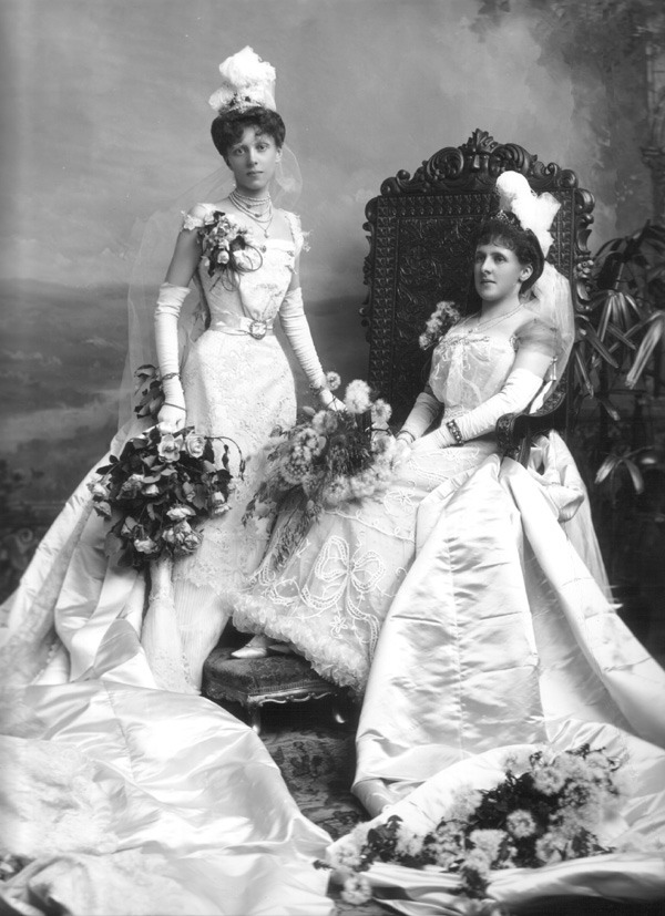 1899 Debutantes Lady Blanche Ruth Brooke Tatton Grieve and Mrs. Bouchier, née Flora Bathurst Greive From edwardianpromenade.com:etiquette:the-court-presentation: