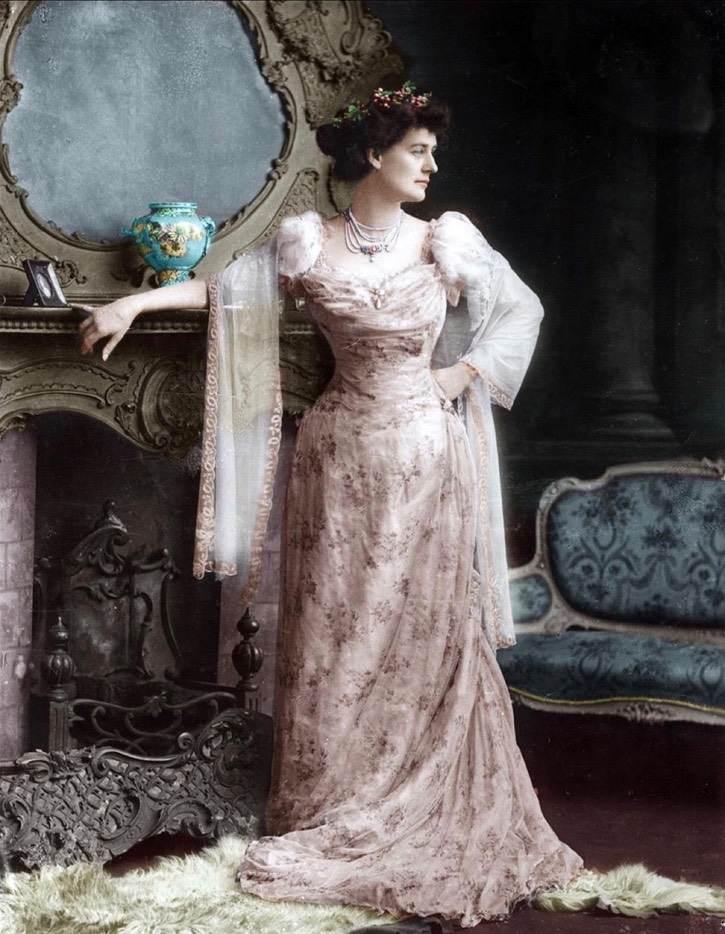 1900 Countess Markievicz in ball gown by ? colorized From stairnaheireann.net/2017/02/04/1868-birth-of-irish-patriot-constance-markievicz/.jpg