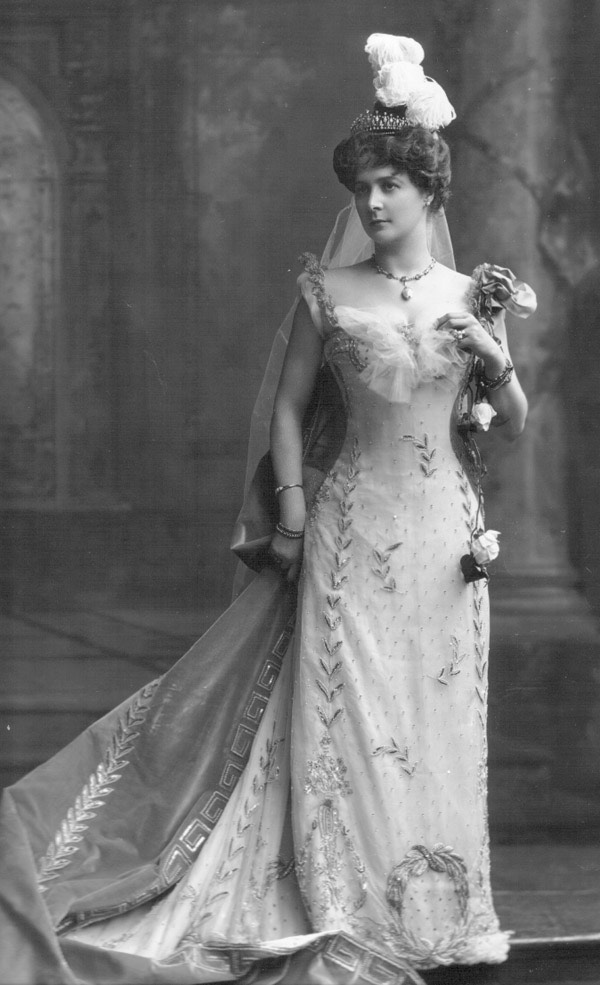 1902 Leonora Sophie van Marter, Countess of Tankerville by Lafayette Photographic Studios From pinterest.com:marianahattingh:royal-houses-of-the-world: