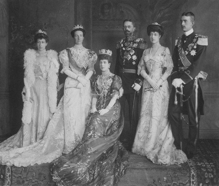 1905 Princess Royal Louise, Queen Victoria of Sweden, Queen Alexandra, King Gustaf V Sweden, Princess Victoria and Prince Wilhelm of Sweden Posted to embers2.boardhost.com:royal-jewels:msg:1434013399.html by Arthur on 11 June 2015 despot detint