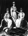 1902 Louise Margaret, Duchess of Connaught, with her daughters Princess Margarethe and Princess Patricia