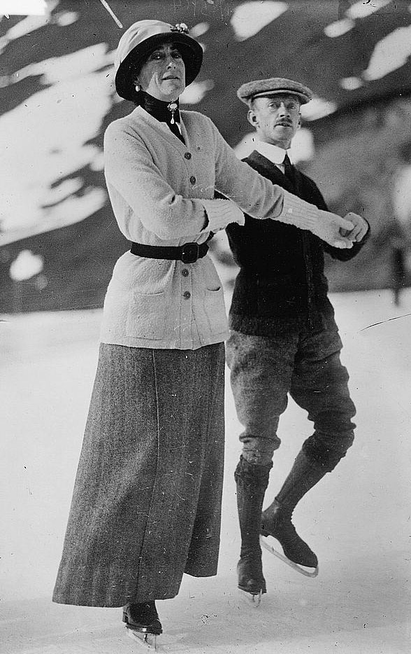 1910-1915 Countess Stradbroke & A. Norum at Murren LC Bain cropped