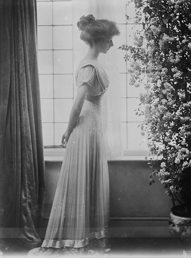 1912 A. Stewart (Duchess Vizeu), Princess of Braganza LC Bain cropped