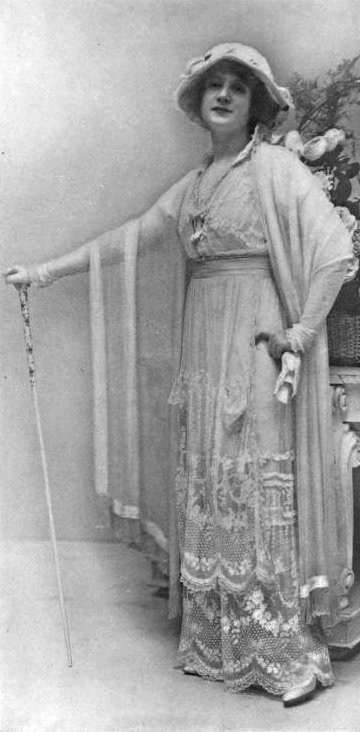 1913 Billy Burke in 1912 Lucile dress From za.pinterest.com:joliefab:after-a-fashion: detint