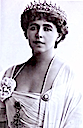 1915 Queen Marie of Romania close up