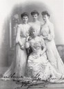 1904 Thyra and her daughters