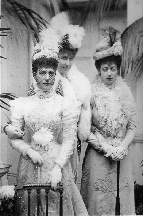 Alexandra, daughter Victoria, and Princess Hélene d'Orléans Posted on the Alexander Palace Time Machine Discussion Forum by basilforever on 12 April 2007 detint