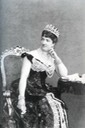 ca. 1878 Margherita in Savoy knot tiara, probably by Luigi Montabone UPGRADE From altezzareale.com/2011/11/07/gioielli-reali2/i-gioielli-delle-regine-ditalia/.jpg