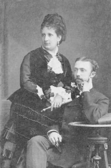 ca. 1880 Maria Pia and Roberto di Parma Posted by elena45 to ladyreading.forumfree.it/?t=42206432 on 30 August 2009 desmudge detint
