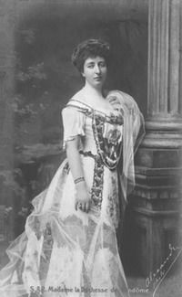 ca. 1900 Duchesse of Vendome detint