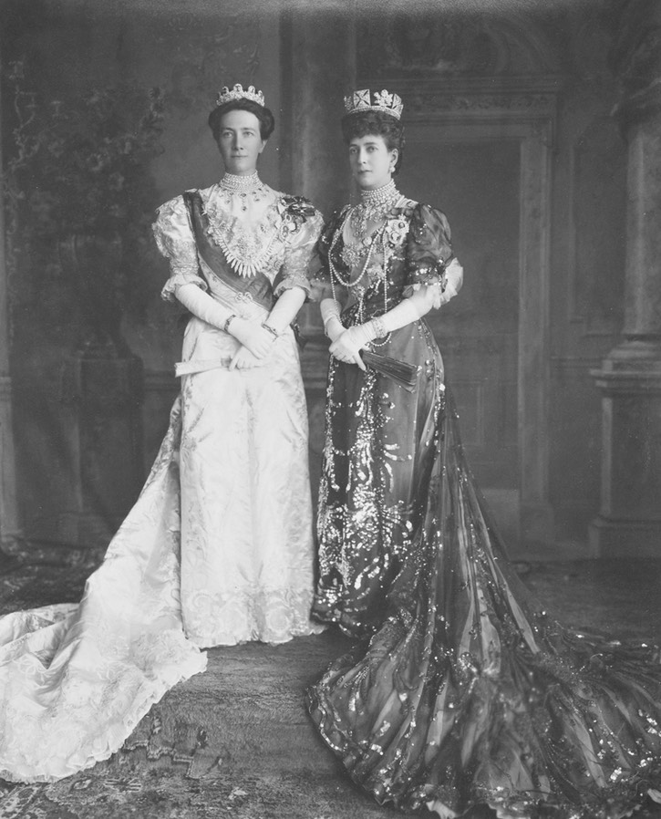 1905 (15 June) Queens Alexandra and Victoria of Sweden Posted to embers2.boardhost.com:royal-jewels:msg:1434013399.html by Arthur on 11 June 2015 detint