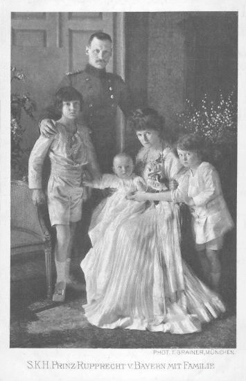 ca. 1909 (estimate based on age of baby) Crown Prince Rupprecht von Bayern with Family PC EB