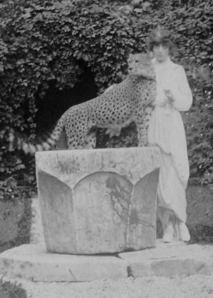 ca. 1912 Marchesa Casati and pet by ? From pinterest.com:carr5049:marchesa-casati: