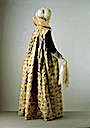 ca. 1610 Extant gown (Victoria and Albert Museum - London UK)