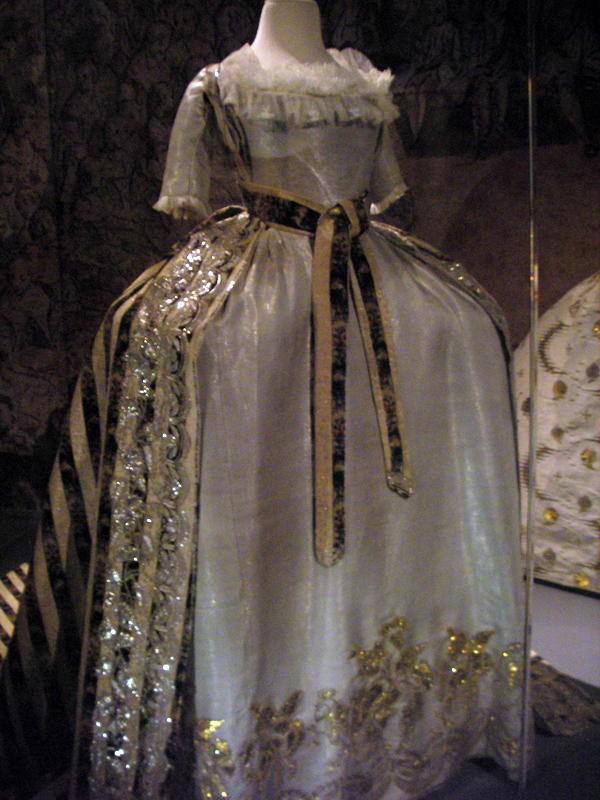 Catherine Pavlovna court dress front (Pavlovsk Museum, Pavlovsk Russia)Johanni's photostream on flickr