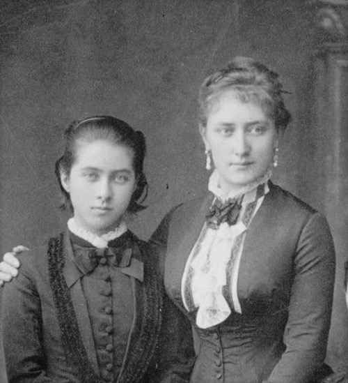 Countess Tatiana Alexandrovna de Ribeaupierre (1828 – 1879) and her youngest daughter Tatiana Yusupova From pinterest.com/migue2552/the-yusupov/.jpg