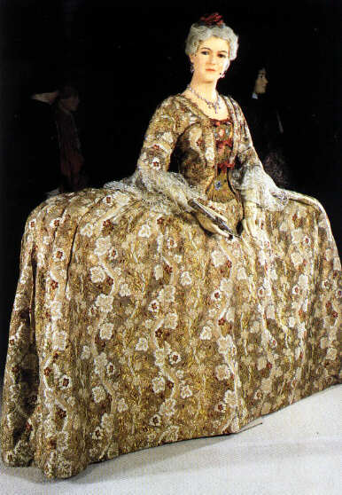 1745 Mantua dress for court