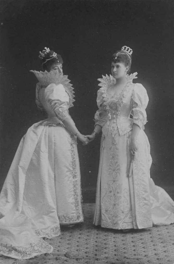 Grand Duchess Maria Pavlovna of Russia (1854-1920) and Zinaida Skobelyeva, Duchess of Leuchtenberg (d.1899) From theimperialcourt.tumblr.com/tagged/tiara/page/2 detint X 1.25