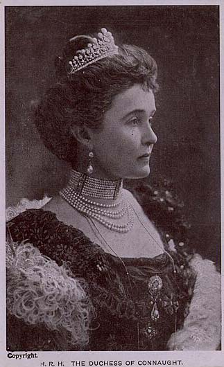 HRH_Duchess_of_Connaughtluiseprussia1860-3