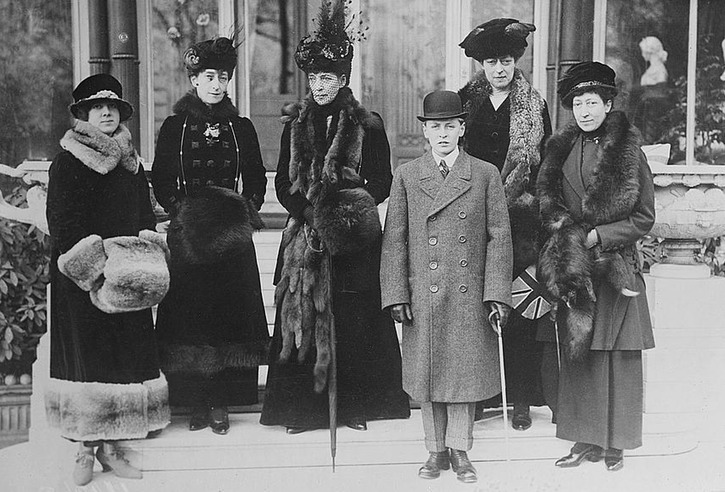 ca. 1913 (based on age of Prince Olaf) Maude of Fife, Queen Maude, Alexandra, Olaf of Norway, Victoria, Princess Royal LC Bain