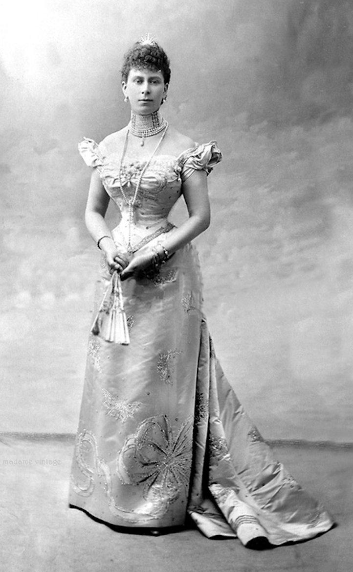 Princess Mary From antique-royals.tumblr.com/post/110910001428/queen-mary-of-united-kingdom X 4/3