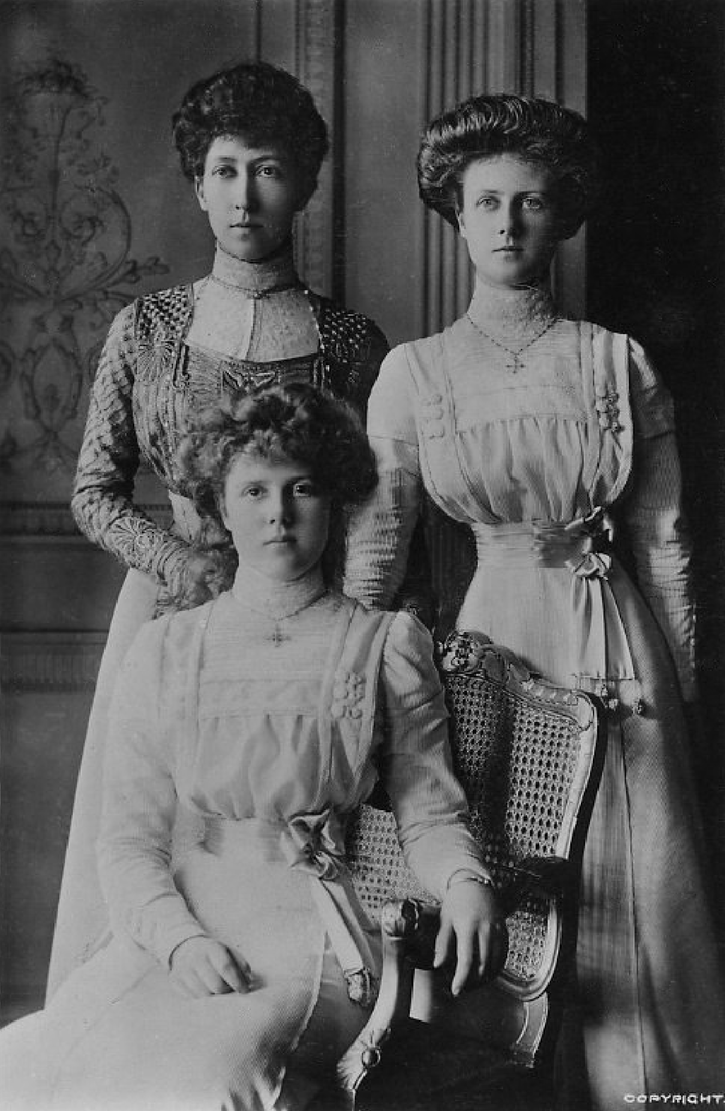 Princess Royal Louise and daughters Maud and Alexandra From britishroyalty.tumblr.com:post:12965083322 despot detint fixed size